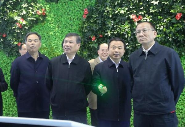 浙江省人大常委会副主任史济锡到德赢vwin手机客户端调研